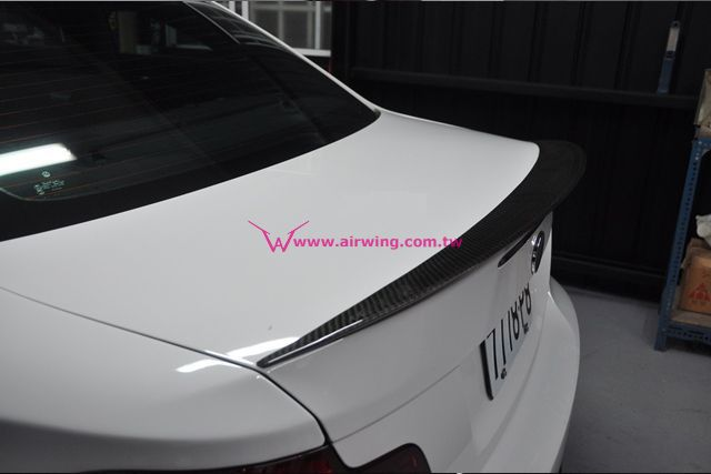 E82 - Performance style Carbon trunk spoiler
